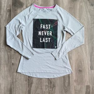 Women's Old Navy workout long sleeve
